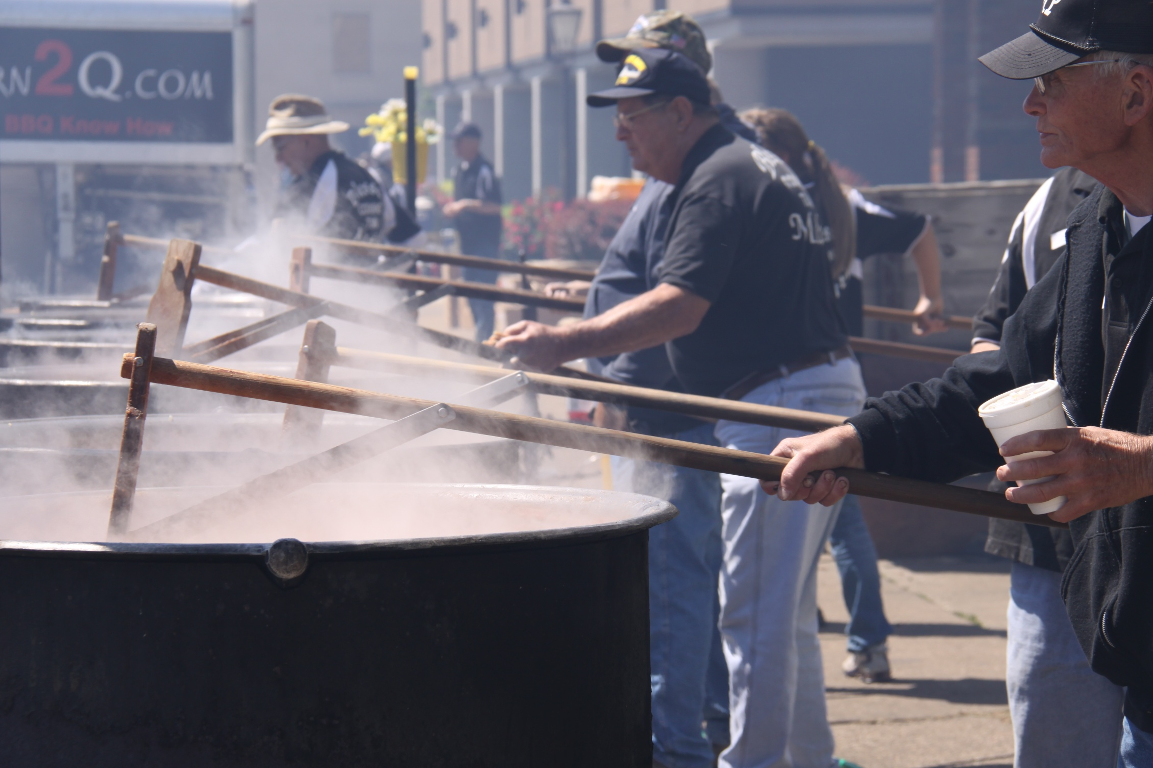 Stirring burgoo