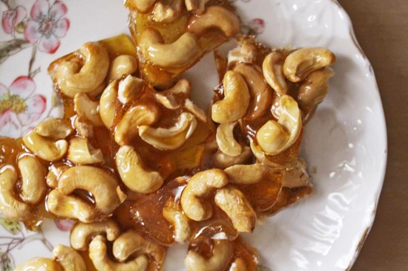 cashew-brittle