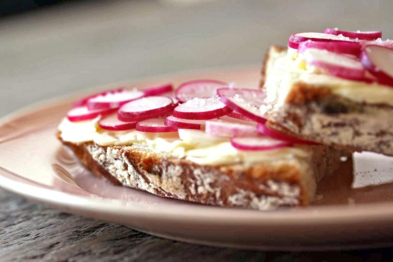radish-tartine