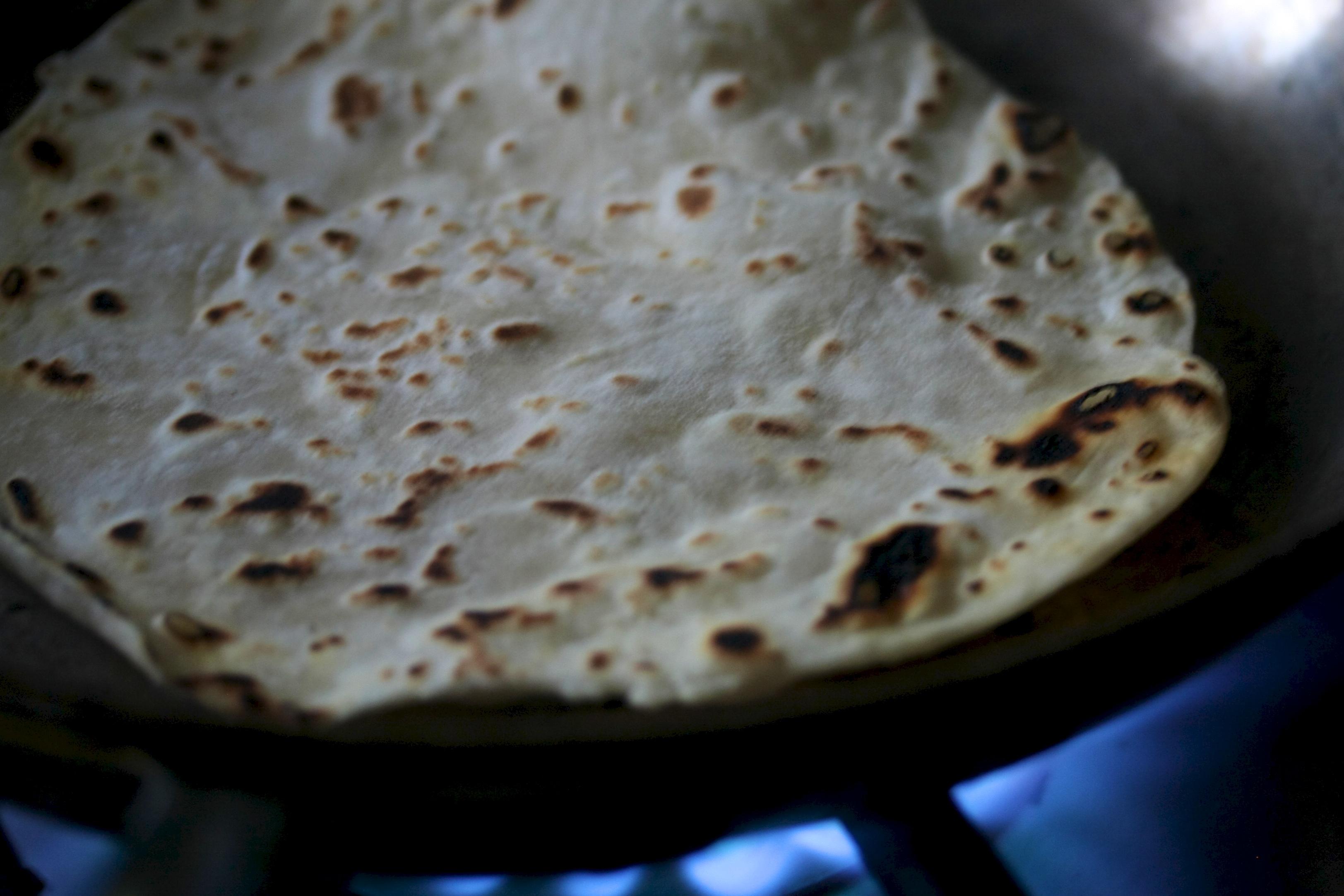 how to make corn flour tortillas