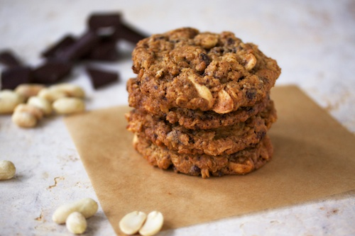 ... off Salty Peanut & Chocolate Chunk Oatmeal Cookies | Gourmandistan