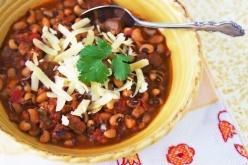 Pork & black-eyed pea chili