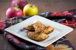 Fried apple pies (pie crust version)