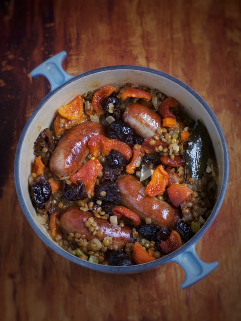Lentils with sausages, prunes and apricots